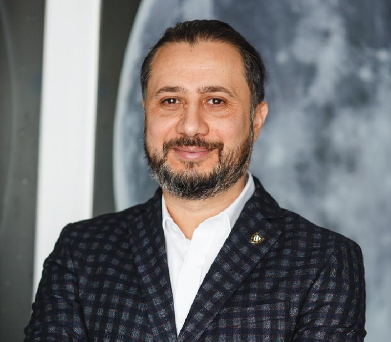 Cristian Pandel Founder & President Memento Group
